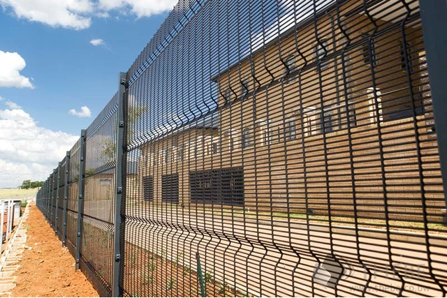 Fence installation and manufacturer company